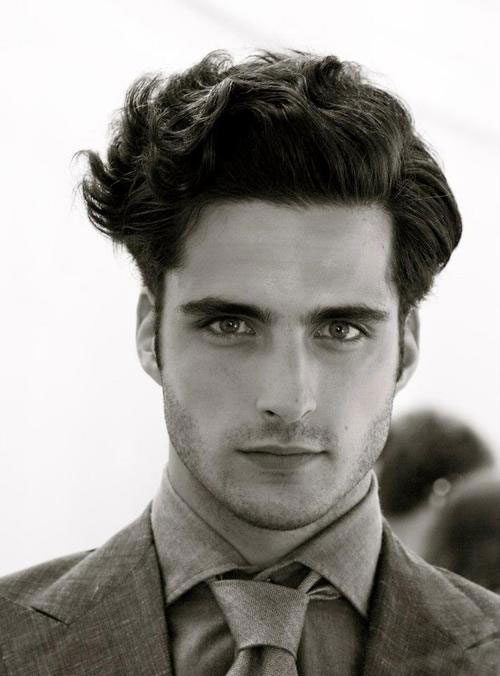 Hairstyles with Wavy Hair Men