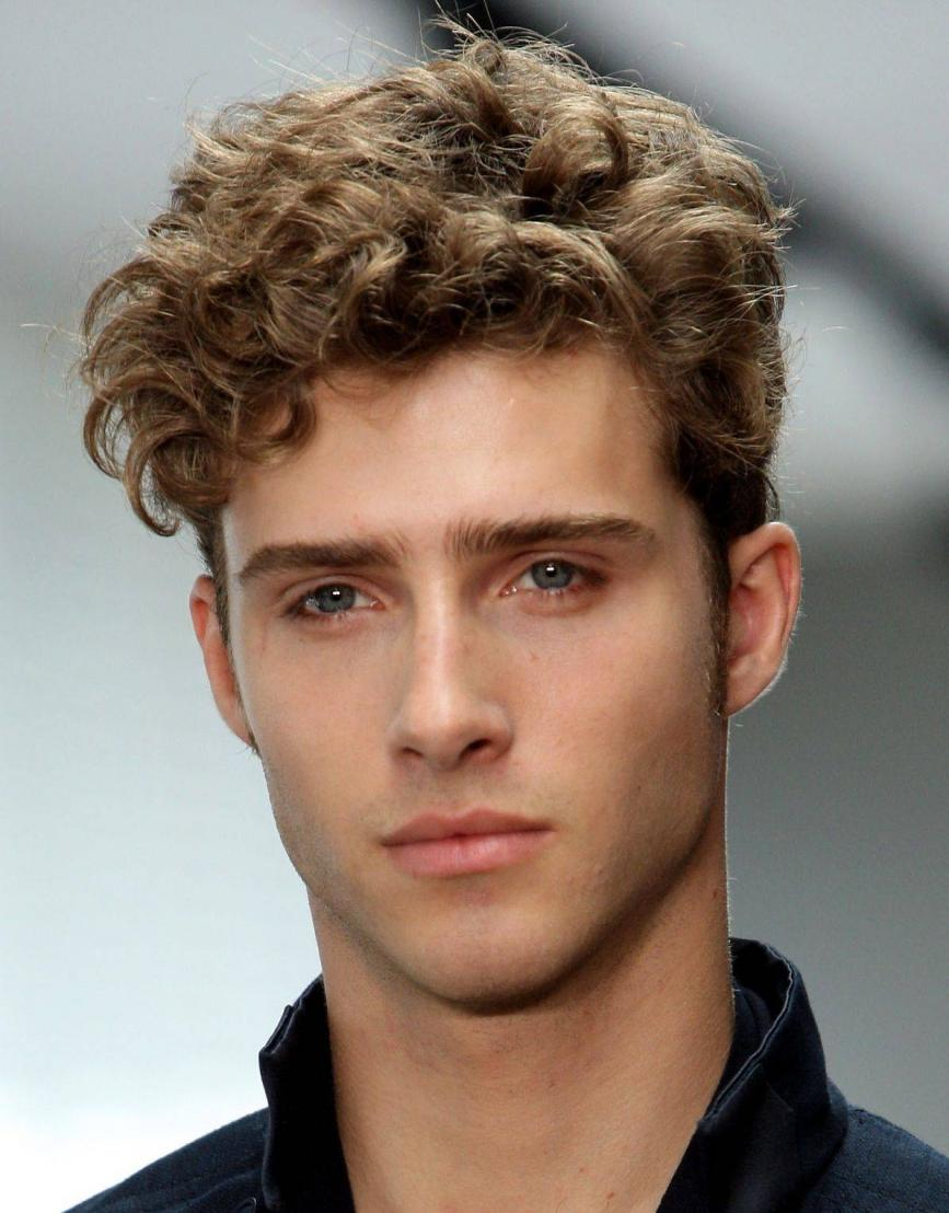Short Hairstyles for Curly Hair Men