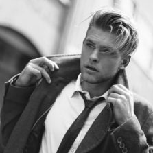Men's Side Part Hairstyle