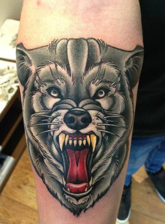 traditional tattoos wolf