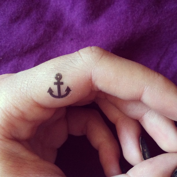 anchor tattoos finger
