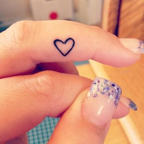 heart finger tattoos