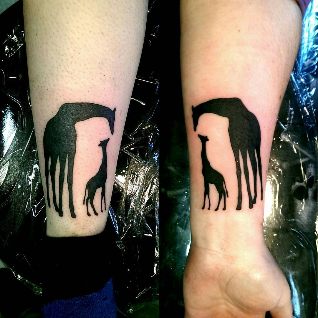 giraffe mother daughter tattoos